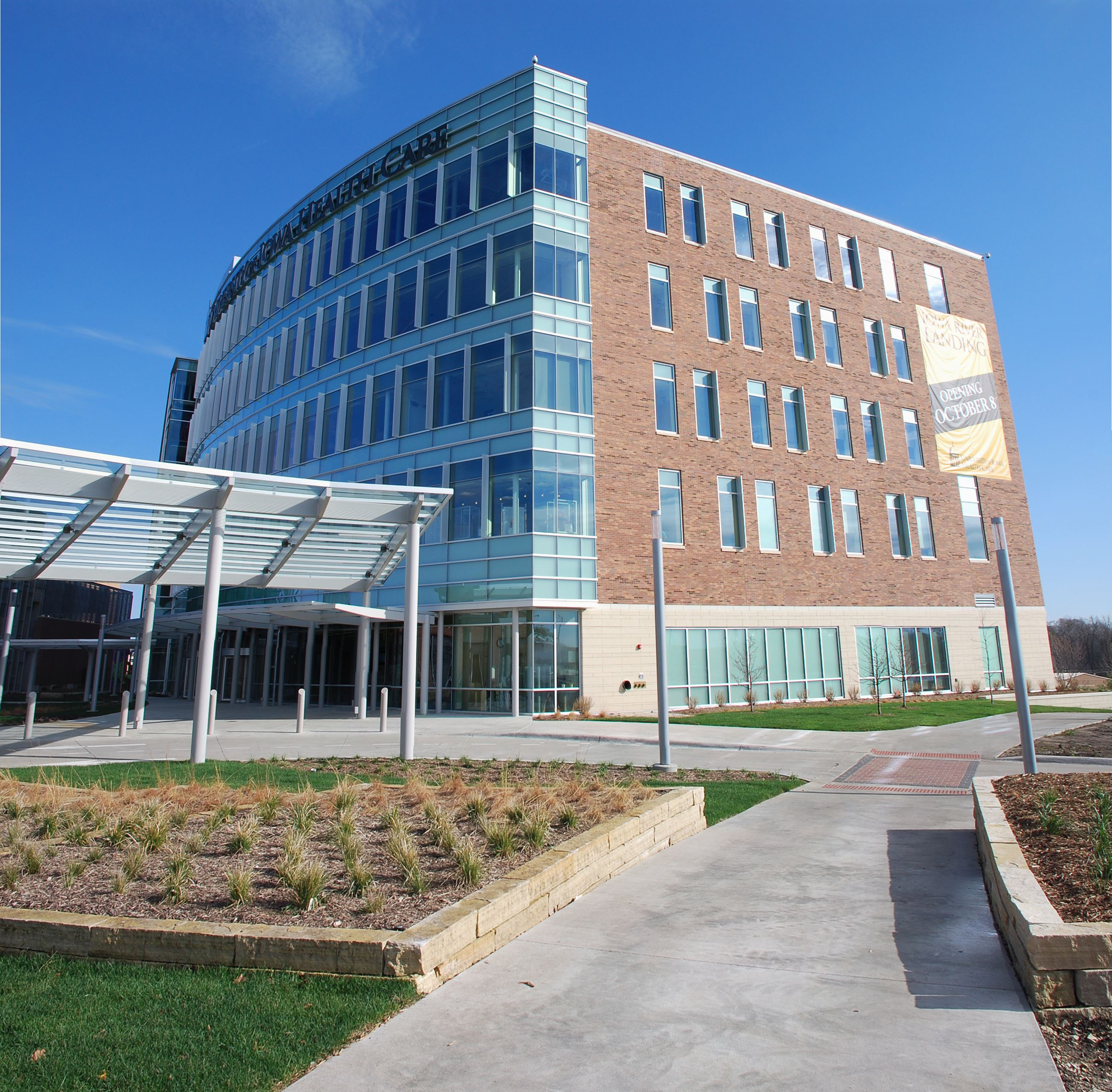 UI Health Care_Iowa River Landing